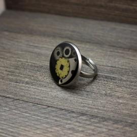 Steampunk stiliaus žiedas su laikrodžių detalėmis