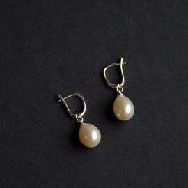 Lašo formos perlų auskarai, dramblio kaulo baltumo