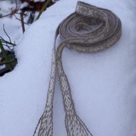 Vytinė juosta su raganos-rūpūžiukės ženklais, ilgis 2,7 m