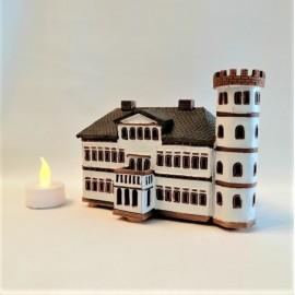 Rankų darbo, keramikinis namelis žvakidė
