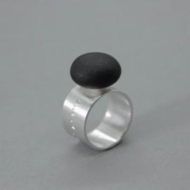 Žiedas_55°22'0.01″ N 21°04'0.01 E_Baltijos jūros akmuo_sidabras