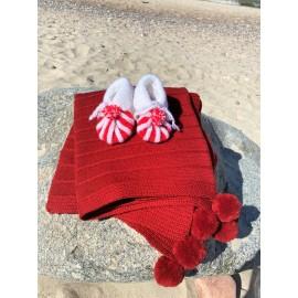 Merino vilnos komplektukas kūdikiui. Pledukas ir tapukai, raudonos spalvos.
