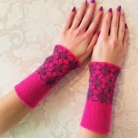 Riešinės rožinės spalvos su hematito karoliukais 16X7,5cm