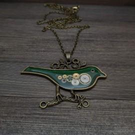 Paukščio formos pakabukas su laikrodžių detalėmis