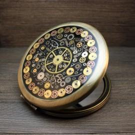 Steampunk stiliaus veidrodėlis su laikrodžių detalėmis
